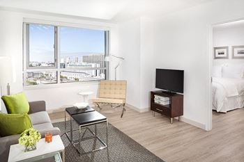 33 8th St. Studio-2 Beds Apartment for Rent Photo Gallery 1