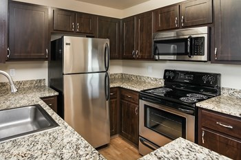 4933 Parkview Dr 1-3 Beds Apartment for Rent Photo Gallery 1