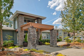 4933 Parkview Dr 1-2 Beds Apartment for Rent Photo Gallery 1