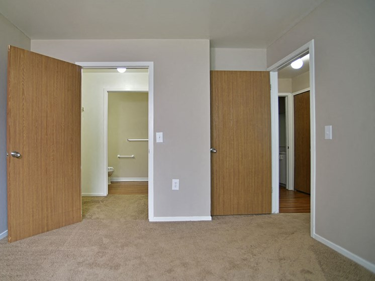 Walk-In Closet at Windsor Place, Davison, MI, 48423