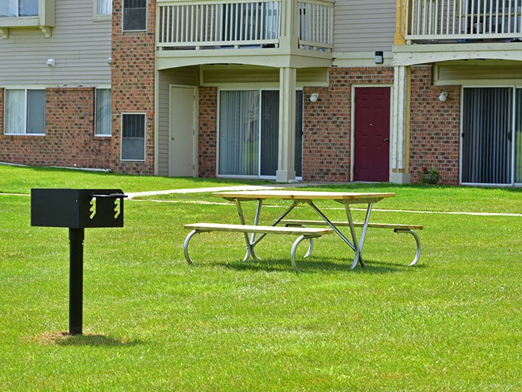 Picnic Table and Grill at Windsor Place, Davison