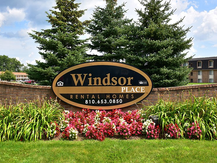 Property Signage at Windsor Place, Davison, 48423