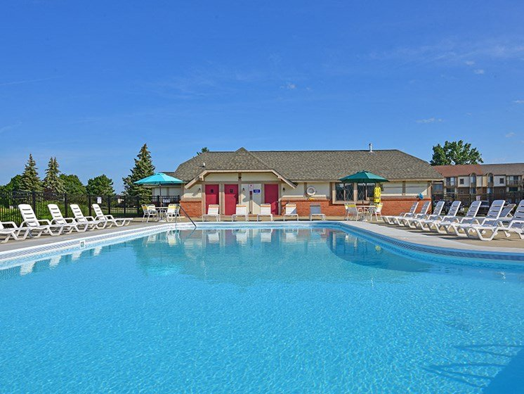 Large Outdoor Pool at Perry Place, Grand Blanc, MI