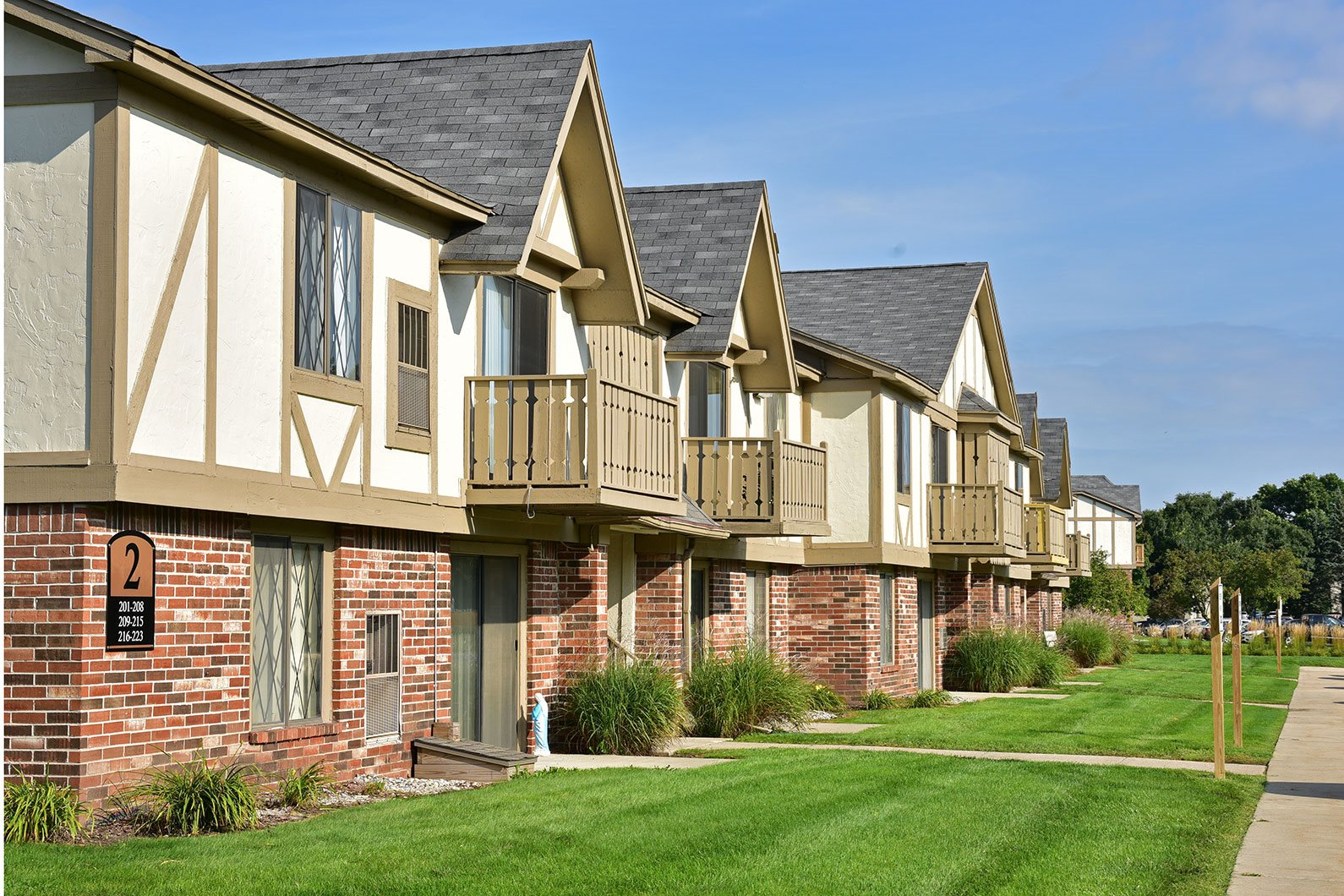 Vibrant Community at Huntington Place Apartments, Essexville, MI 48732