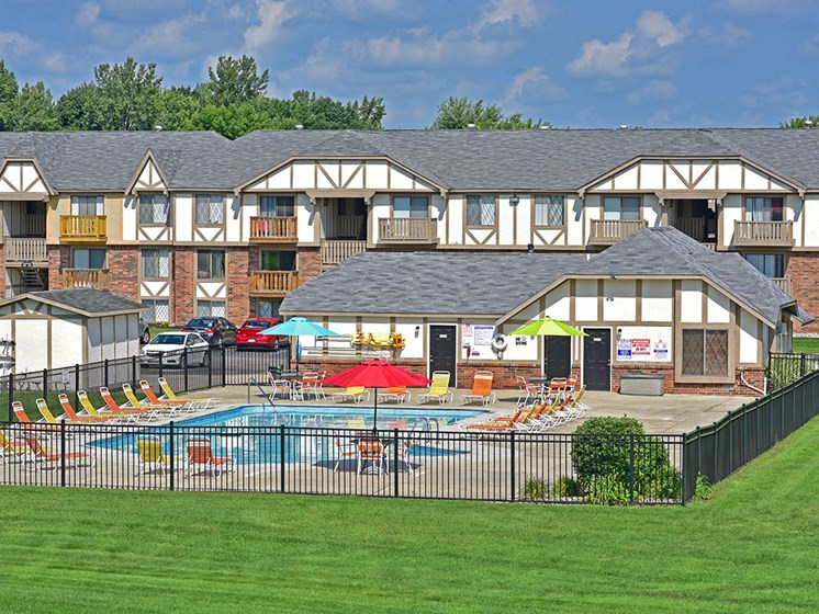 Swimming Pool and Sundeck at Huntington Place, Essexville, MI, 48732