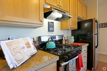 1132 NW Birdsdale Avenue 1-3 Beds Apartment for Rent Photo Gallery 1