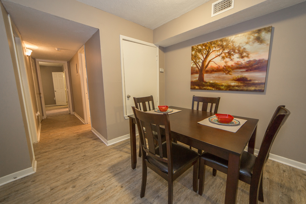large dining room somerset place apartments jackson mississippi