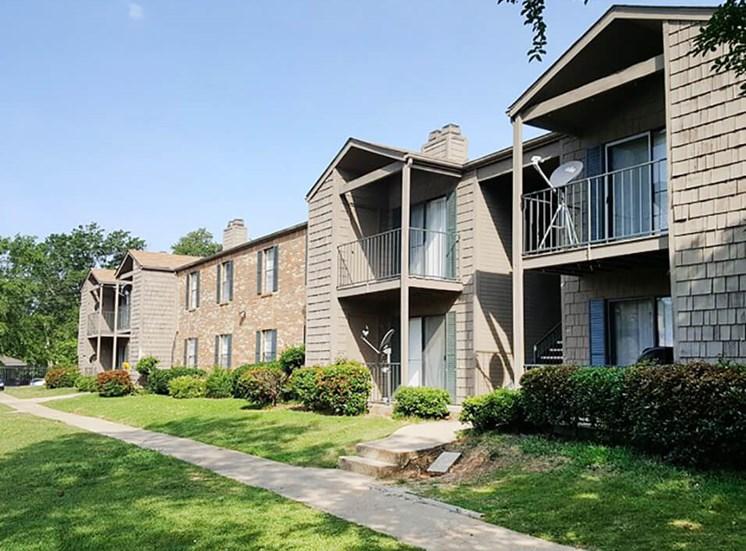 apartment community in Jackson