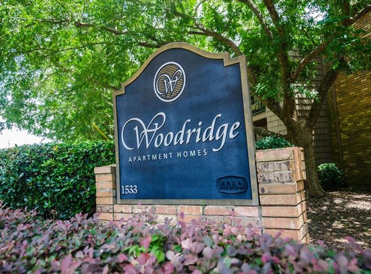 property sign for Woodridge Apartments