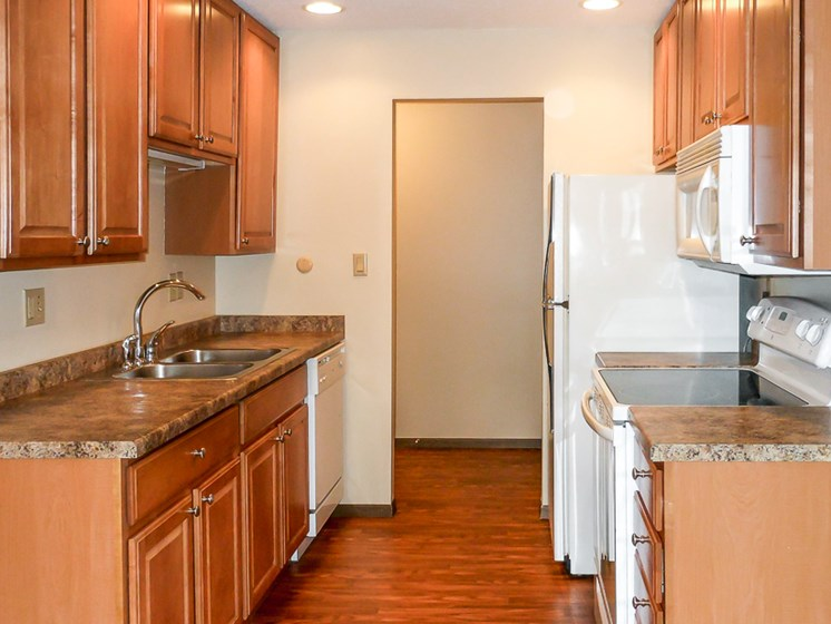 Spacious updated kitchen at Les Chateaux Apartments in Duluth Minnesota