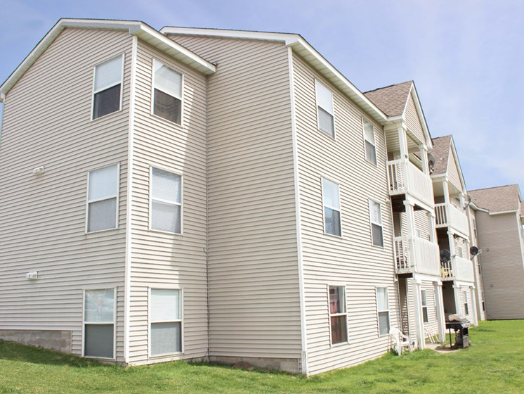 Apartments in Coon Rapids Exterior 2
