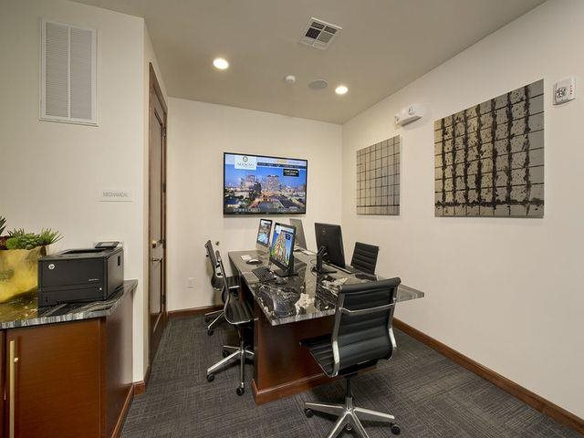 Cyber Café With Modern Amenities at Midtown Houston by Windsor, Texas