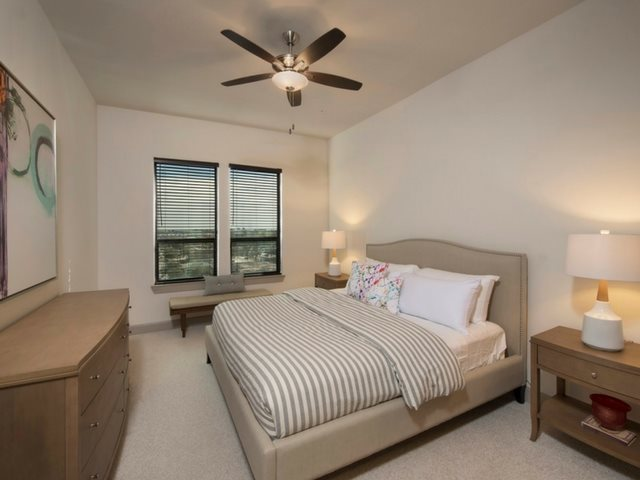 Live in cozy bedrooms at Midtown Houston by Windsor, Houston, 77002