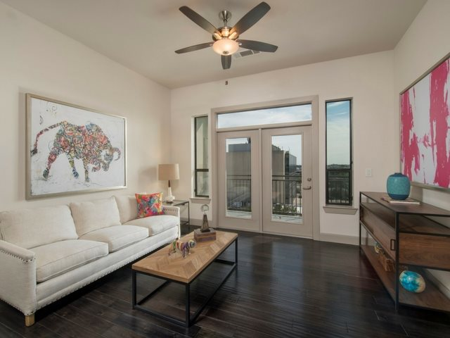 Resort Style Living Rooms at Midtown Houston by Windsor, Houston