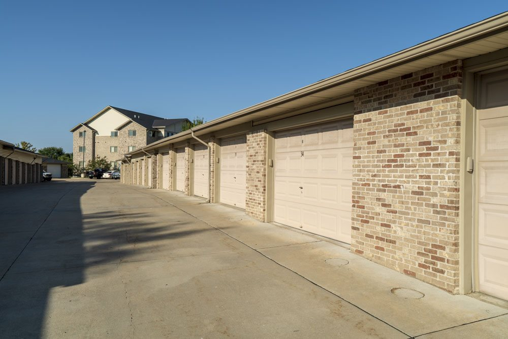 Detached garages for rent at Grand Legacy apartments and townhomes in west Omaha NE 68130