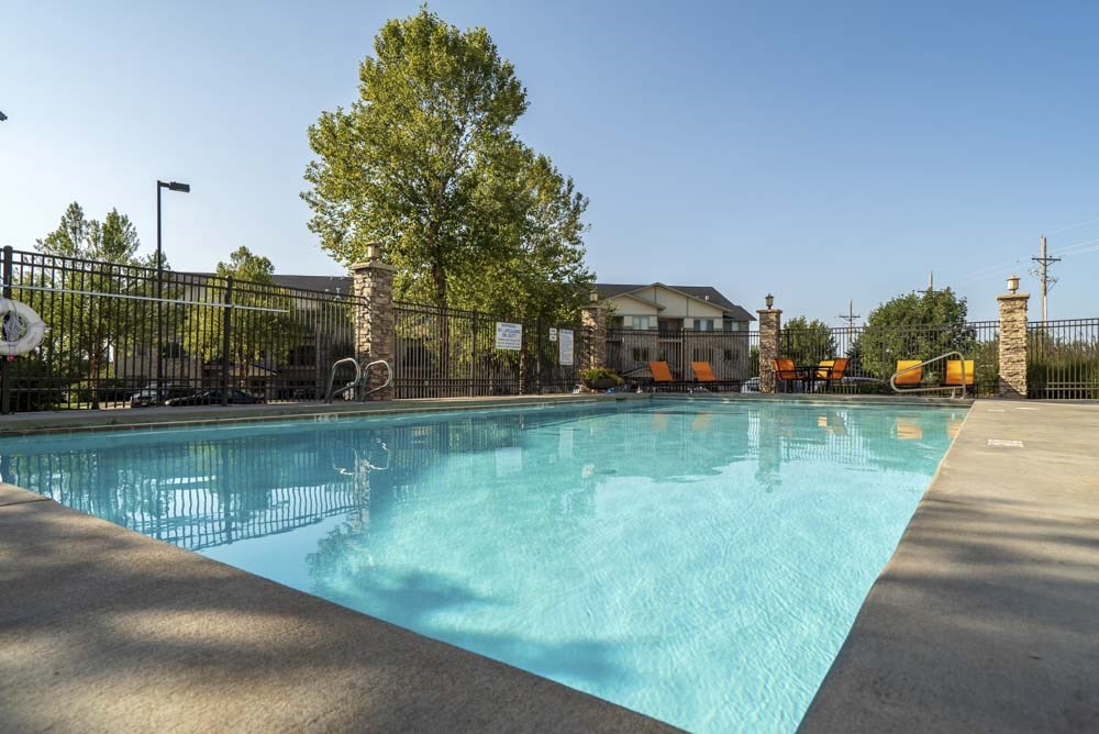 Swimming pool  at Grand Legacy apartments and townhomes in west Omaha NE 68130