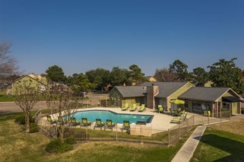 2902 Whispering Winds Drive 1-3 Beds Apartment for Rent Photo Gallery 1