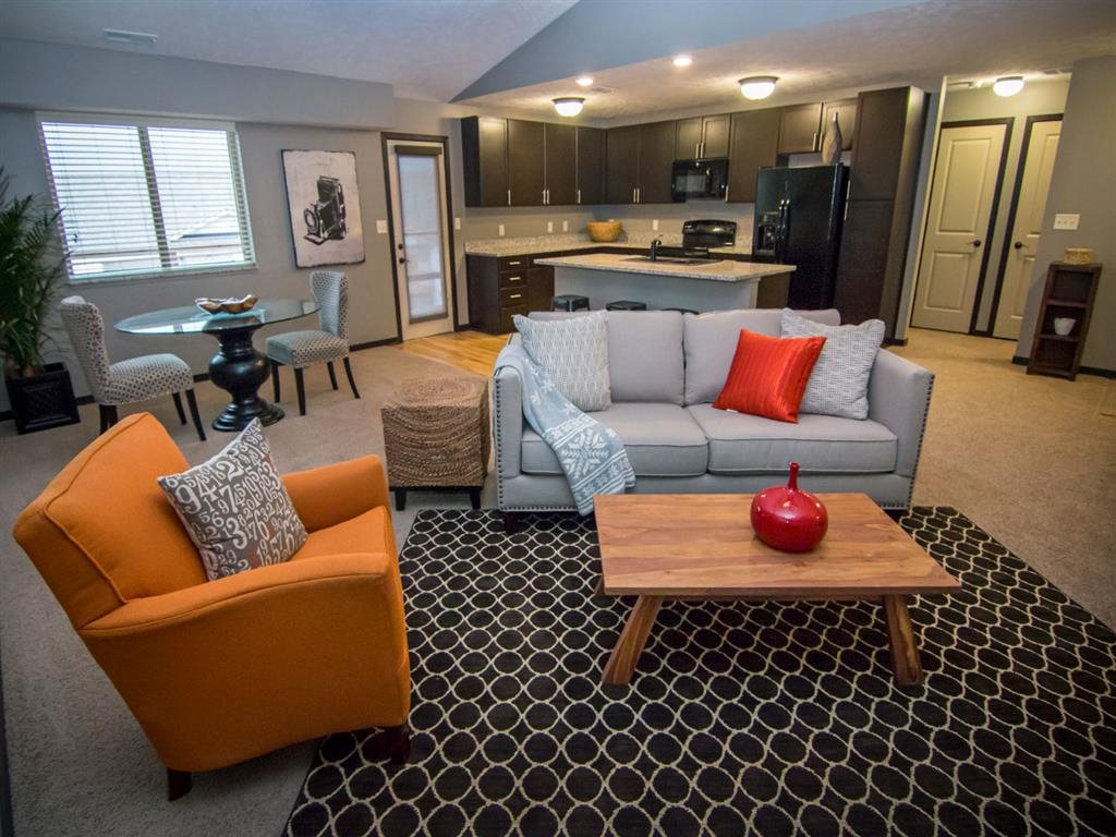 Open floorplan with spacious living room at The Flats at 84 in Lincoln NE