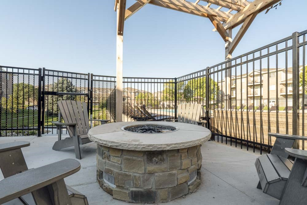 Outdoor fire pit at Highland View Apartments in north Lincoln NE 68521