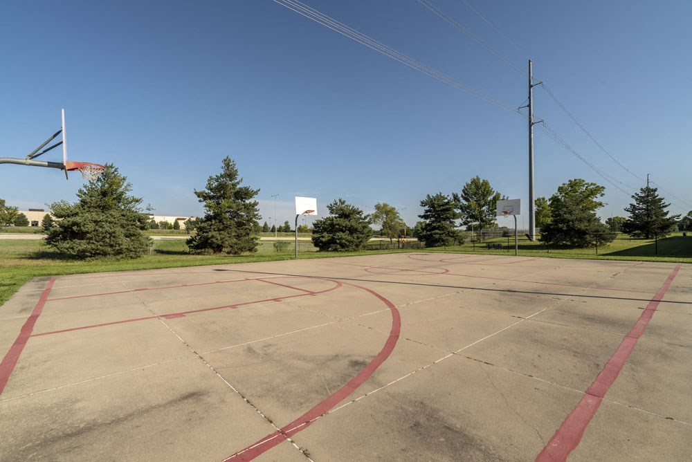 Basketball court at Highland View Apartments in north Lincoln NE 68521