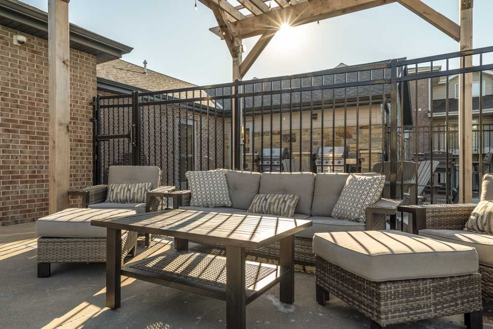 Outdoor lounge at Highland View Apartments in north Lincoln NE 68521
