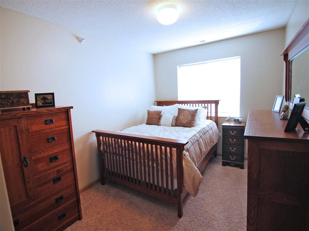 Interiors-Skyline View Apartments Bedroom in Lincoln NE