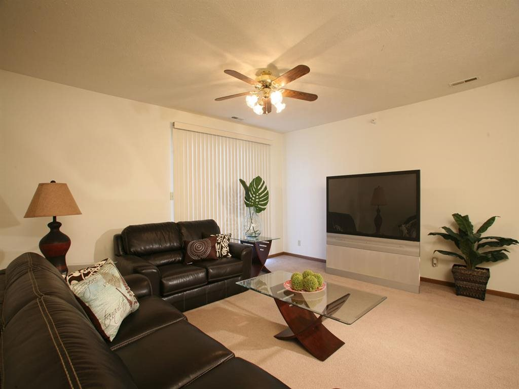large living space at Pine Lake Heights Apartments in Lincoln Nebraska