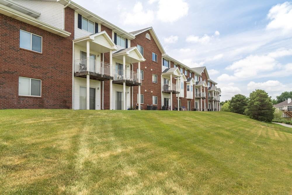 Apartments at Pine Lake Heights