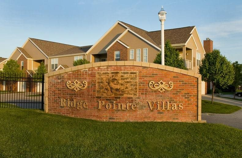 Ridge Pointe Villas street sign at Pine Lake Heights Apartments in Lincoln Nebraska