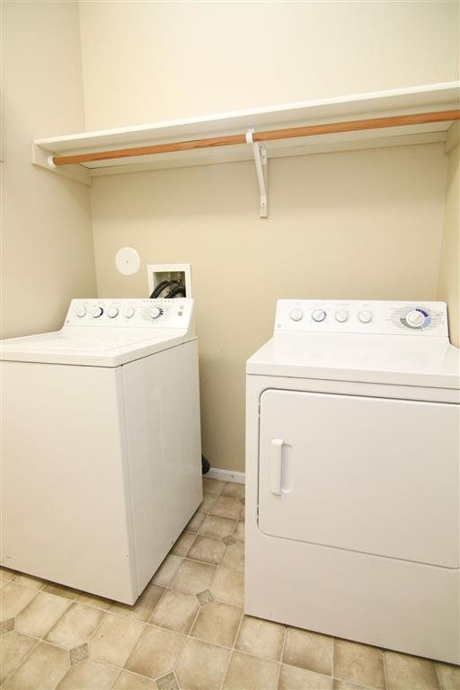 washer and dryer area at Ridge Pointe Villas in Lincoln Nebraska