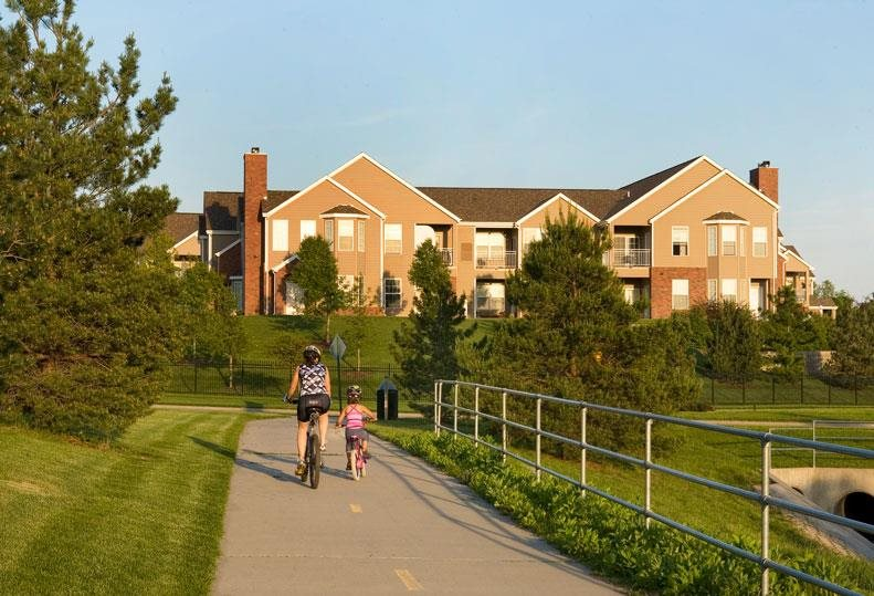 adjacent bike path at Ridge Pointe Villas in Lincoln Nebraska