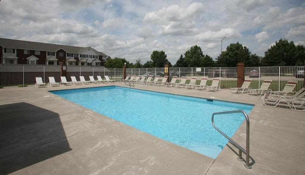 Ridge Pointe Villas swimming pool
