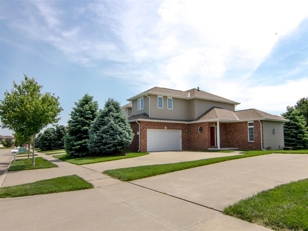 Exteriors-Outside View of Cascade Pines Duplex in Lincoln NE