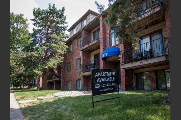 Entrance And Sign At Packard House Apartments In Lincoln Nebraska