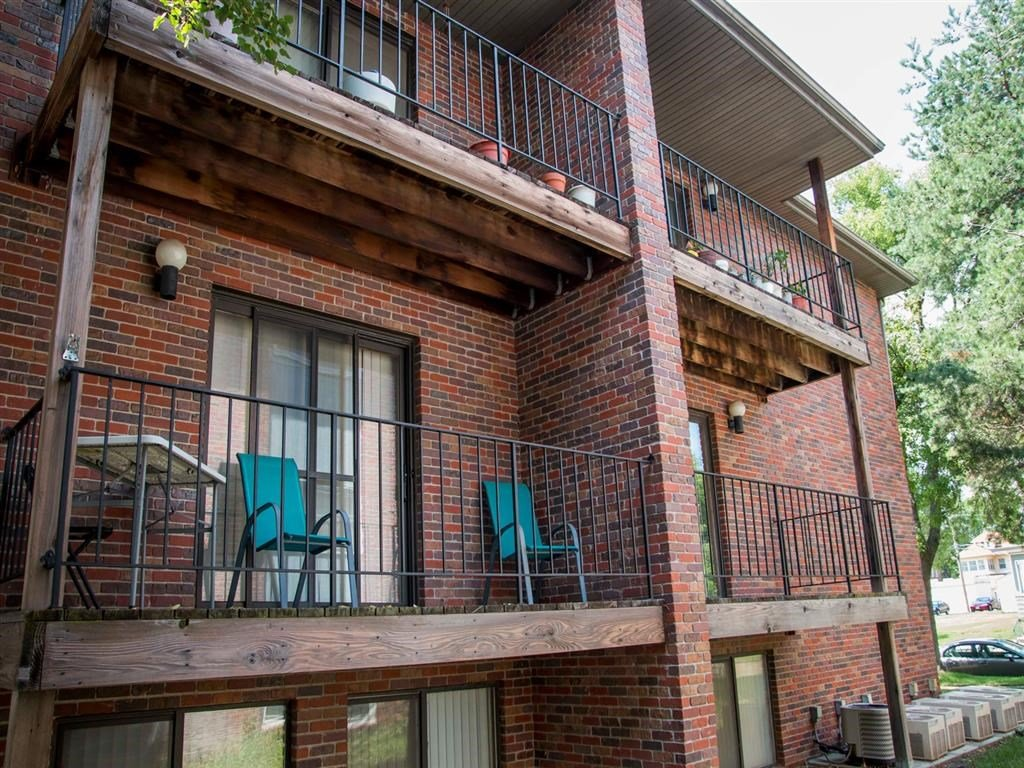 balconies side exterior at Packard House Apartments in Lincoln Nebraska