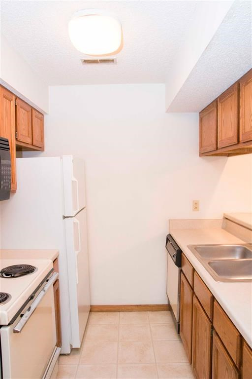 kitchen and appliances at Capitol View Apartments in Lincoln Nebraska