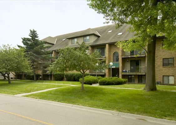 Side exterior with green space at Capitol View Apartments in Lincoln Nebraska