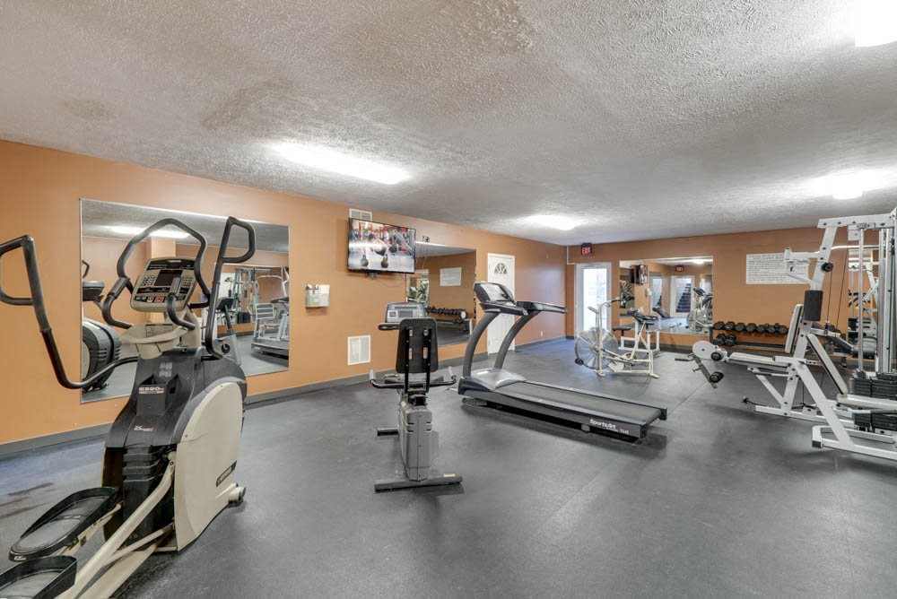 Fitness center at Eagle Run Apartments in northwest Omaha 68164