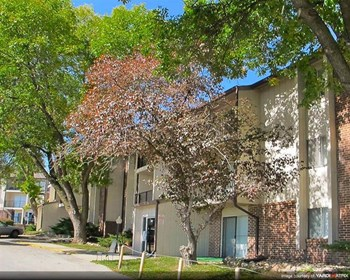 2506 S. 72Nd Ct. 1 Bed Apartment for Rent Photo Gallery 1