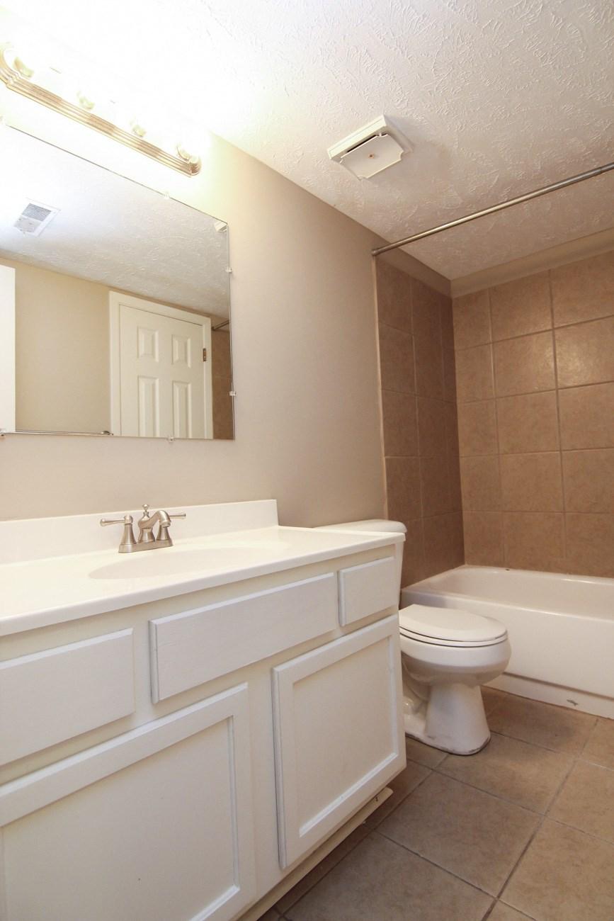 Interiors-Place 72 Apartments bathroom