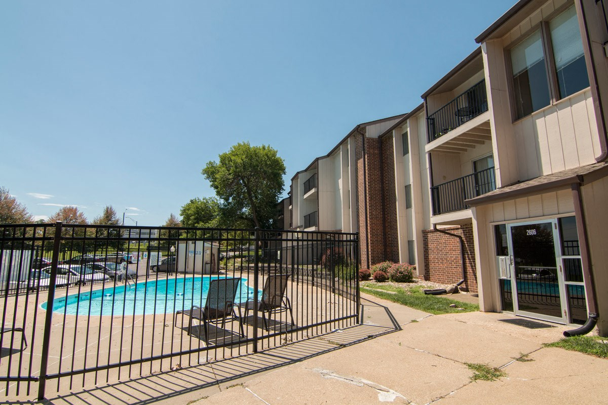Swimming pool at Place 72 Apartments in Omaha NE