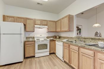 15000 Hood Cir 1-3 Beds Apartment for Rent Photo Gallery 1