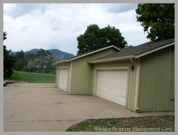 5550 PENNSYLVANIA 2-3 Beds Apartment for Rent Photo Gallery 1