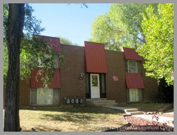 3155 ARNETT 2 Beds Apartment for Rent Photo Gallery 1
