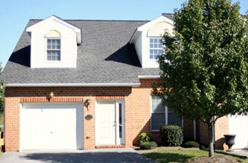 11211 John F. Kennedy Dr. 3 Beds Townhouse for Rent Photo Gallery 1