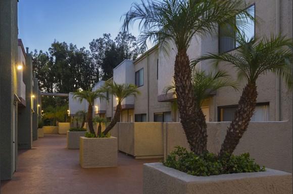 Granada-Hills-NMS-Granada-Hills-Luxury-Apartments-Exterior-Facade