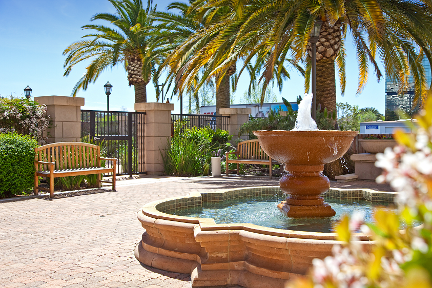 Courtyard Fountain, Bay Area Apartment Homes in Concord California
