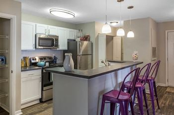8301 Paces Oaks Boulevard 1-3 Beds Apartment for Rent Photo Gallery 1