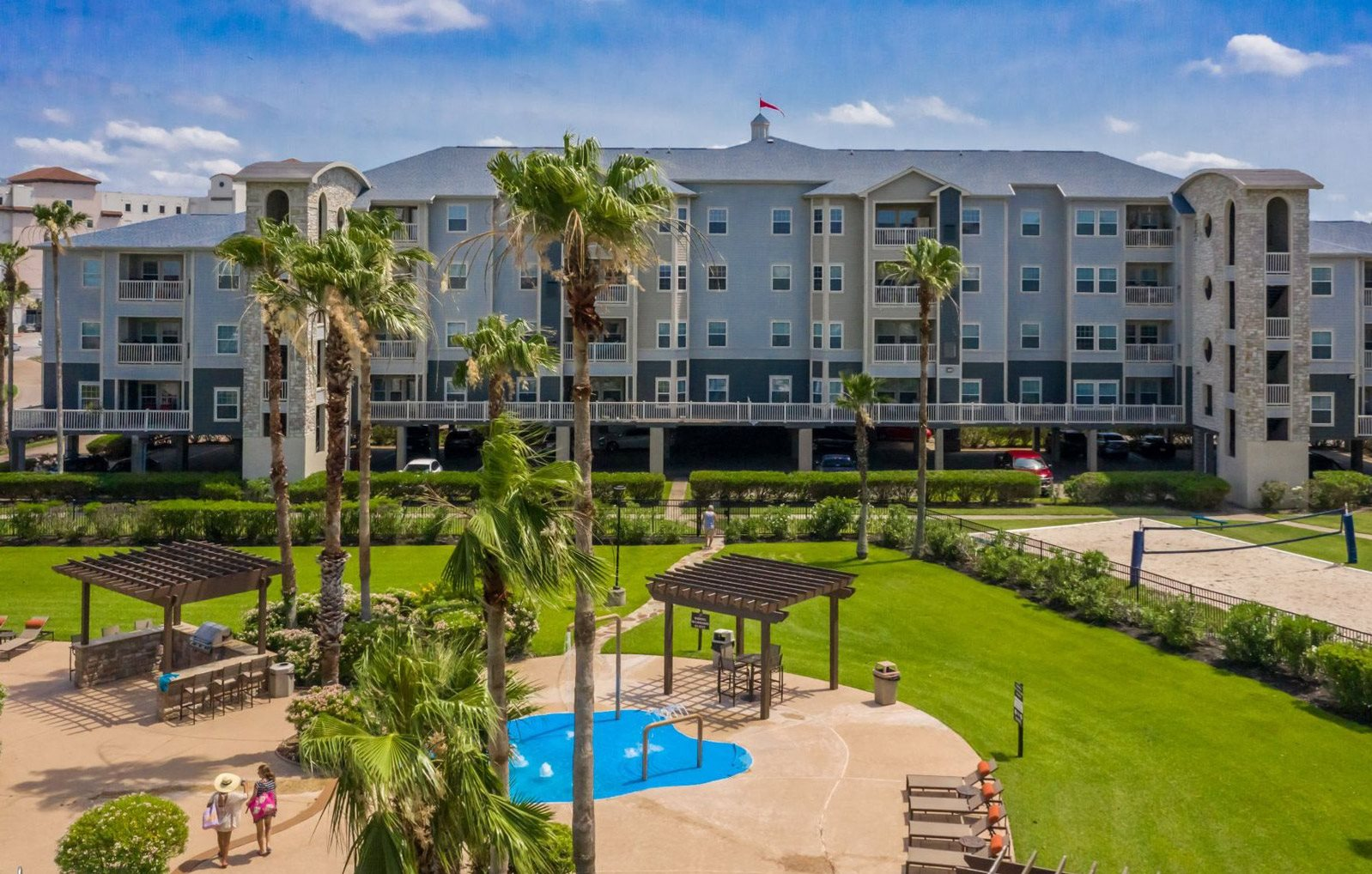 Apartment Community Outside Front View at The Club of the Isle, Galveston, Texas