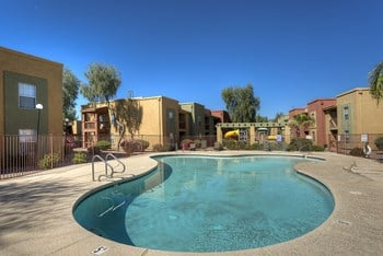 6901 W. McDowell Rd. 1-3 Beds Apartment for Rent Photo Gallery 1